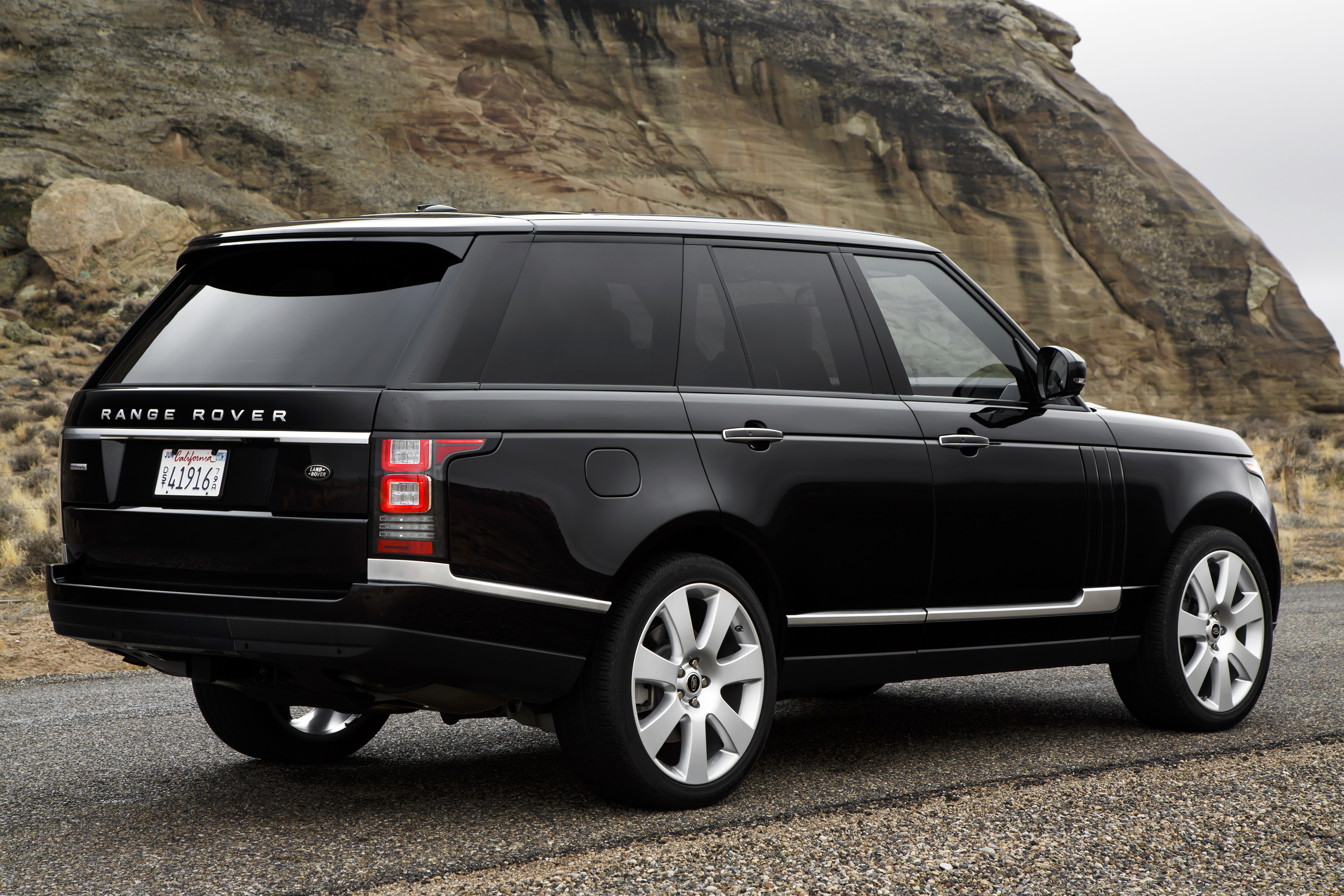up close and personal with the 2013 range rover. Black Bedroom Furniture Sets. Home Design Ideas